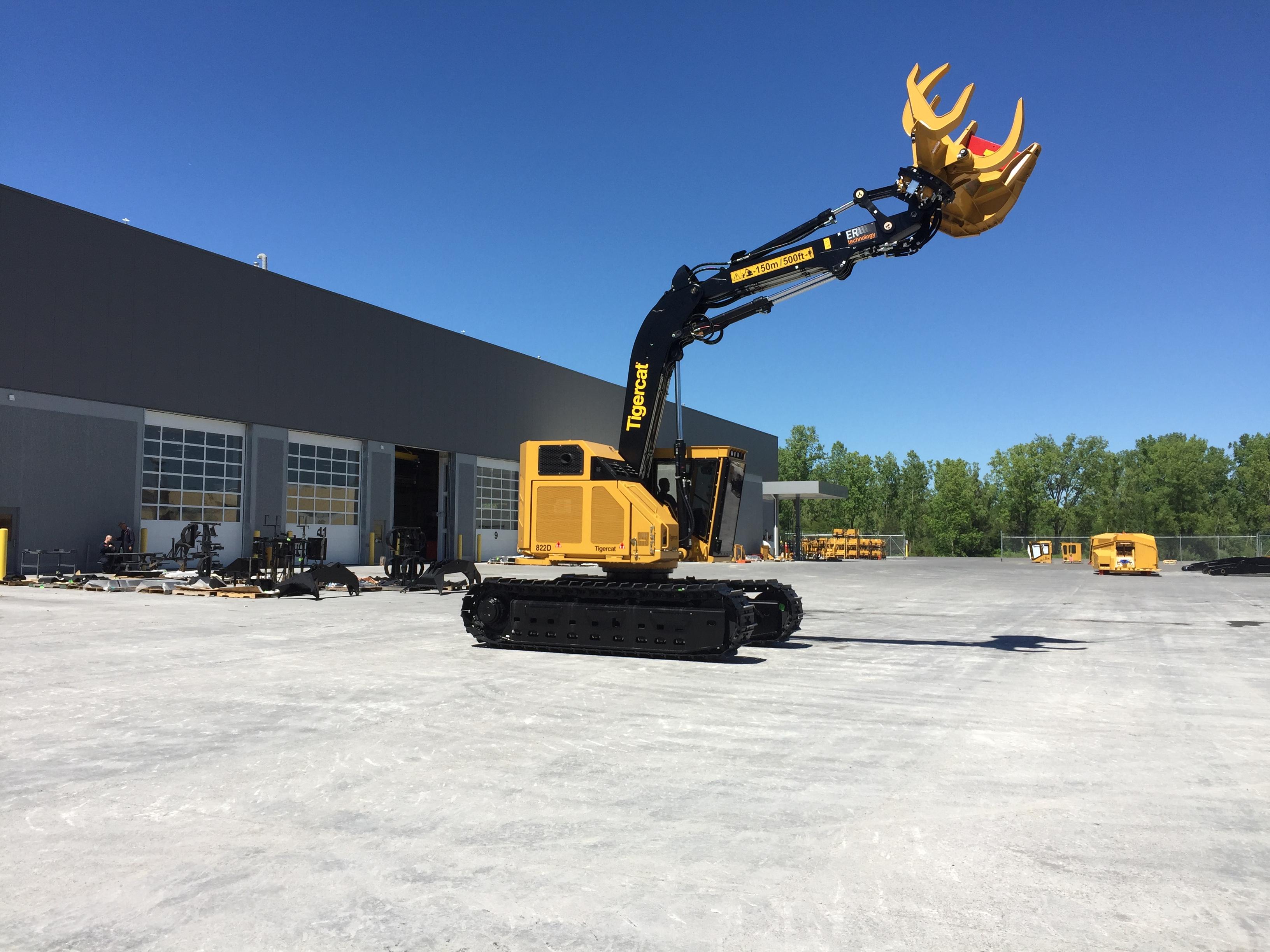 Roller Compacted Concrete Mix Designs : Tigercat industries facility expansion rcc pavement council